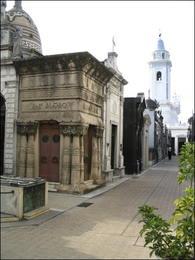Photo of tombs in el cementario recoleta